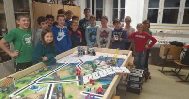"""Die """"Funny SAPROBOTS"""" treffen die """"RoboSAPiens"""" – Besuch des FLL Teams aus Söll"""