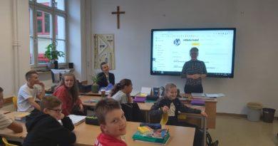Englischunterricht mit Native Speaker an der Mittelschule 1 Wörgl