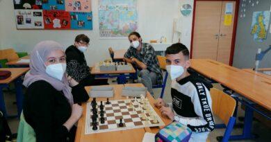Schach-das königliche Spiel begeistert 3b